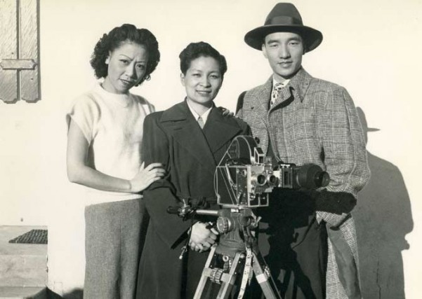 Esther working on Mad Fire Mad Love with Fe Fe Lee and Liu Ki-wai in 1949. (Courtesy Blue Queen Cultural Communication)